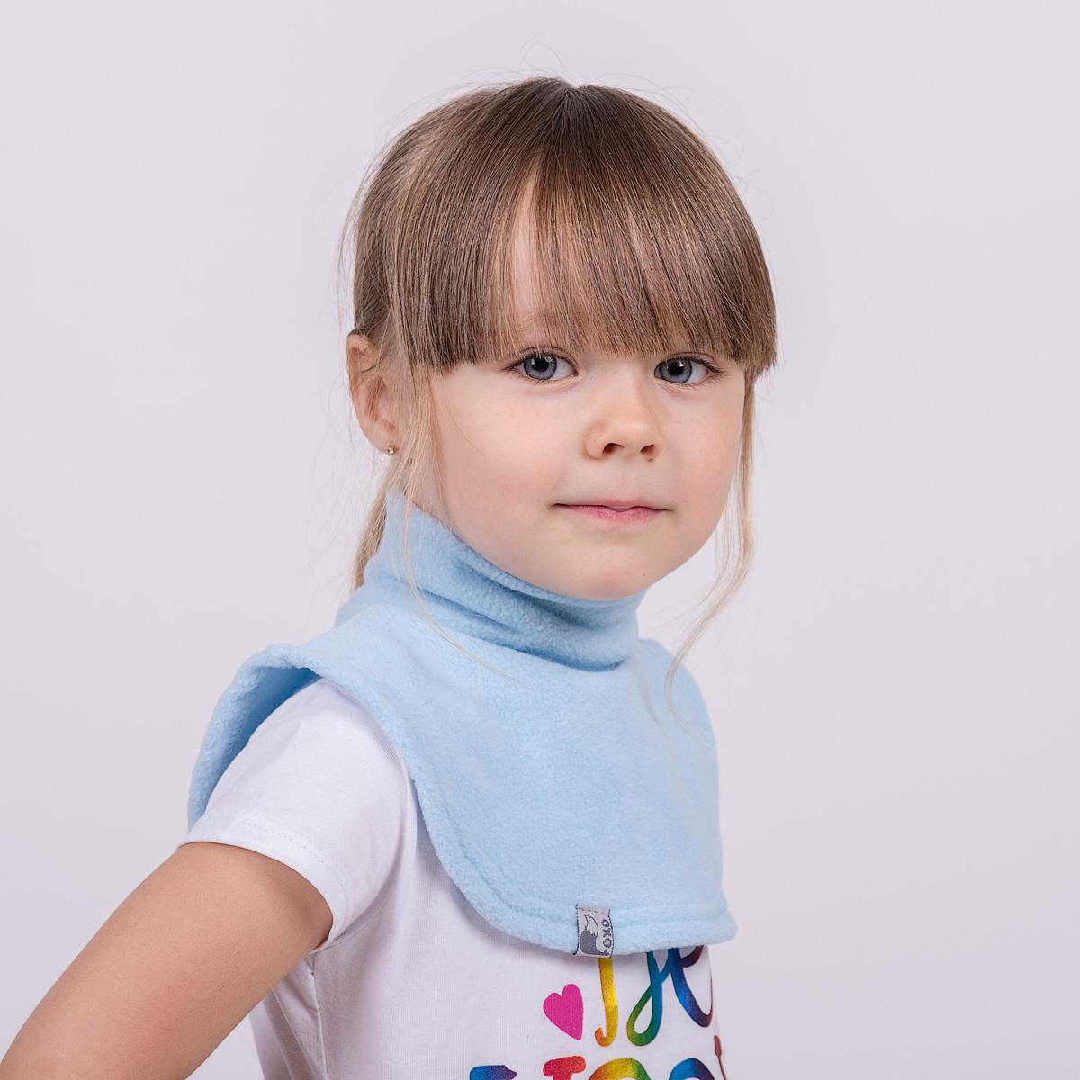 Манишка флисовая на липучке. Цвет голубой